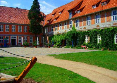 Schloss Bleckede - Blick in den Schlosshof von Südost